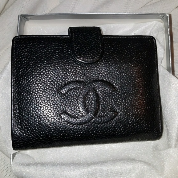 741136e2af5e CHANEL Handbags - Chanel authentic ladies wallet